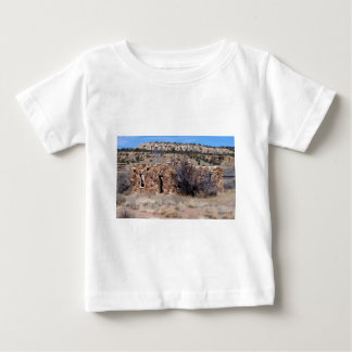 石の古い家屋敷の家 ベビーTシャツ