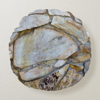 石の壁の写真 ラウンドクッション