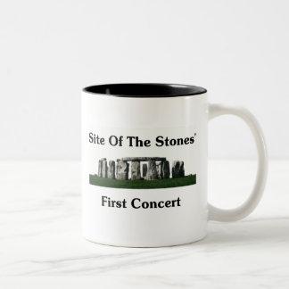 石の最初コンサートの場所 ツートーンマグカップ