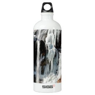 石の水氷形成 ウォーターボトル
