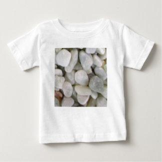 石の滑らかで白い石 ベビーTシャツ