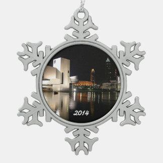 石のnロール栄誉の殿堂、クリーブランドの雪片 スノーフレークピューターオーナメント