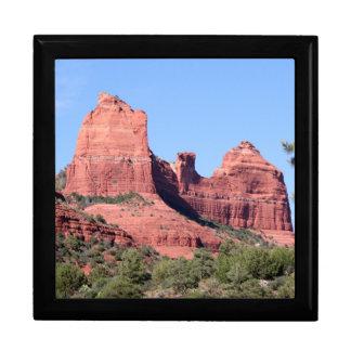 石はセドナ、アリゾナに近づきます ギフトボックス