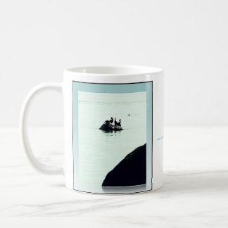 石及び鵜のマグ コーヒーマグカップ