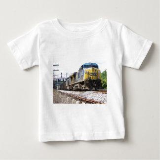石炭の列車とのCSXの鉄道AC4400CW #6 ベビーTシャツ