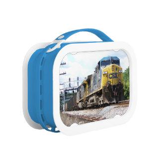 石炭の列車とのCSXの鉄道AC4400CW #6 ランチボックス