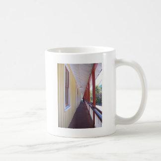 石炭博物館の通路 コーヒーマグカップ