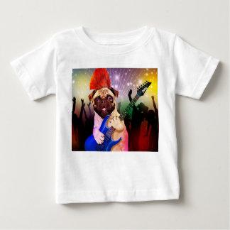 石犬-パグのパーティー-パグのギター-ロッカーの後をつけて下さい ベビーTシャツ