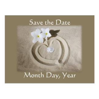 砂のビーチのハート-日付の結婚式を救って下さい ポストカード