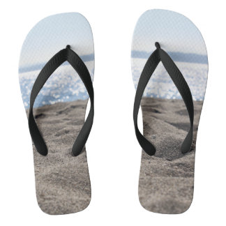 砂のビーチサンダルのつま先 ビーチサンダル