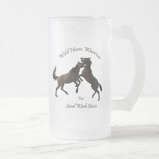 砂の洗面器のための野生の馬の戦士 フロストグラスビールジョッキ