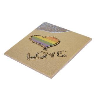 砂の陽気な虹愛ハート タイル