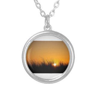 砂丘の日没 シルバープレートネックレス