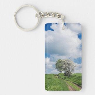 砂利道およびりんごの木 キーホルダー