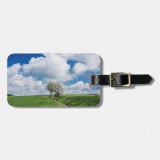 砂利道およびりんごの木 ラゲッジタグ