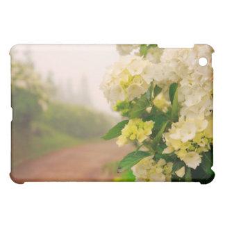 砂利道およびアジサイ iPad MINI CASE