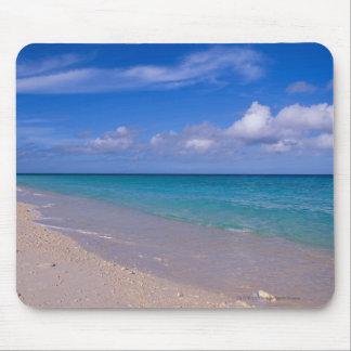 砂浜上の青空の雲 マウスパッド