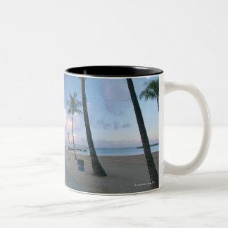 砂浜4 ツートーンマグカップ