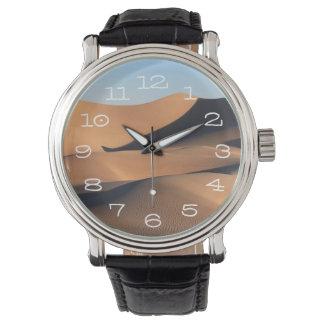 砂漠のすばらしい影 腕時計
