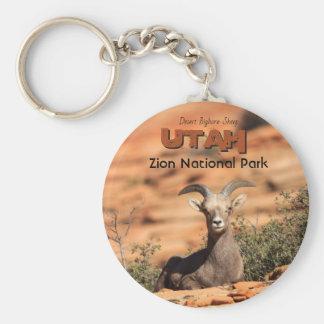 砂漠のオオツノヒツジのZionユタの写真 キーホルダー