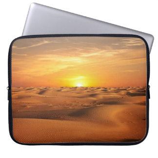 砂漠の日没 ラップトップスリーブ