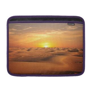 砂漠の日没 MacBook スリーブ