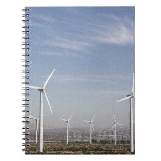 砂漠の素晴らしい見る風車 ノートブック