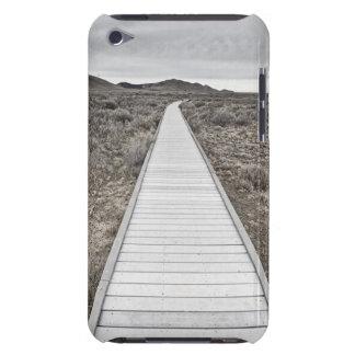 砂漠を通した遊歩道 Case-Mate iPod TOUCH ケース