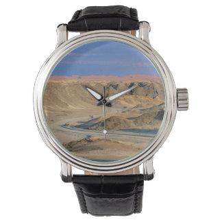 砂漠を通したHomeb、Namib-Naukluftへの道 腕時計