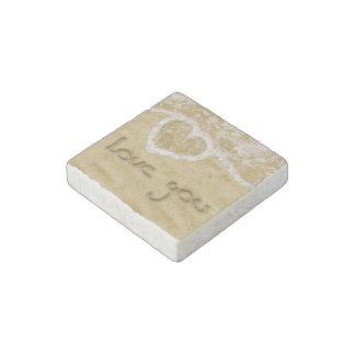 """""""砂-大理石の石造りの磁石で書かれる""""愛して下さい ストーンマグネット"""