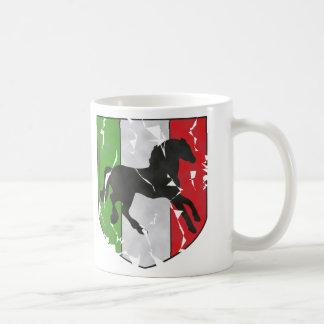 破壊される馬が付いているイタリアンな頂上を見ます コーヒーマグカップ