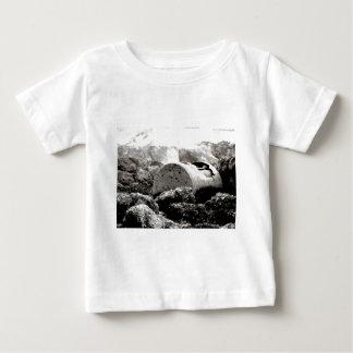 破壊される ベビーTシャツ
