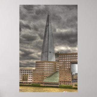 破片の超高層ビル ポスター
