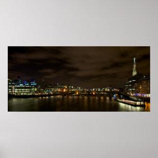 破片ポスターを示すロンドンのスカイライン ポスター