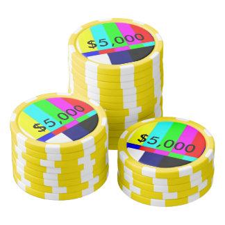 破片$5,000を遊ぶ古い学校TVのトランプのポーカー ポーカーチップ