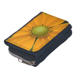 硬貨の財布が付いているデイジーの花のデニムの財布