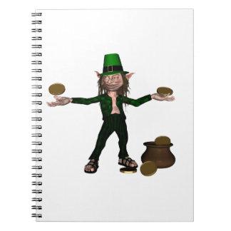 硬貨を持つアイルランドの小妖精および金の壷 ノートブック