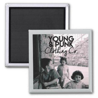 磁気魔法YOUNG&PUNKのロゴ マグネット