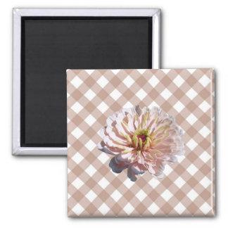 磁石-正方形-格子の最も淡い色のなピンクの《植物》百日草 マグネット