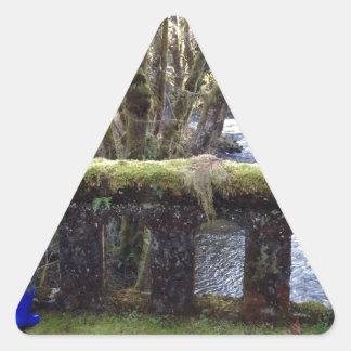 礁およびコケむした橋1 三角形シール