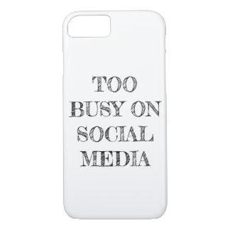 """""""社会的な媒体で余りに""""の忙しいiPhoneの場合 iPhone 8/7ケース"""