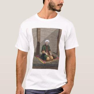 祈っているトルコの人18世紀(版木、銅版、版画) Tシャツ