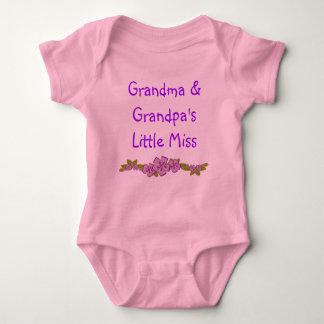 祖母およびGranpaのLiittleの失敗のベビーのクリーパー ベビーボディスーツ