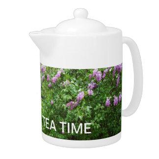 祖母のための茶時間薄紫ブッシュ