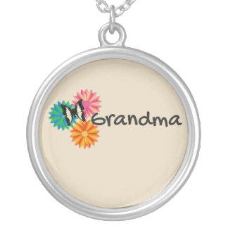 祖母の祖母の花の蝶ネックレス シルバープレートネックレス