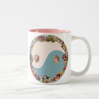 祖母の花の陰陽 ツートーンマグカップ