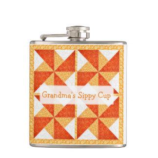 祖母のSippyのコップのキルトの一見 フラスク