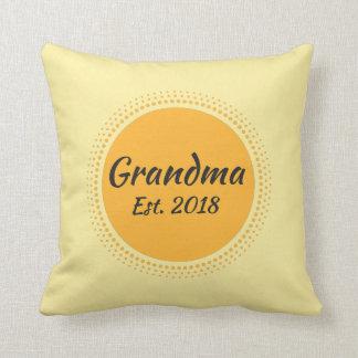 祖母米国東部標準時刻。 2018黄色い装飾用クッション クッション