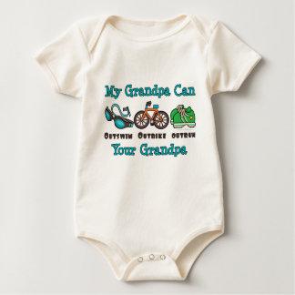 祖父のトライアスロンのオーガニックな幼児クリーパー ベビーボディスーツ