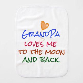 祖父は月および背部引用文に私を愛します バープクロス